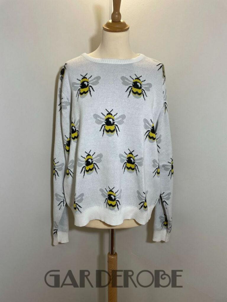 Ecru trui met bijenprint