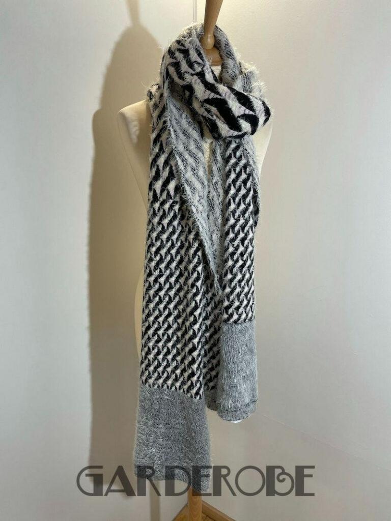 Grote en warme sjaal roze & zwart